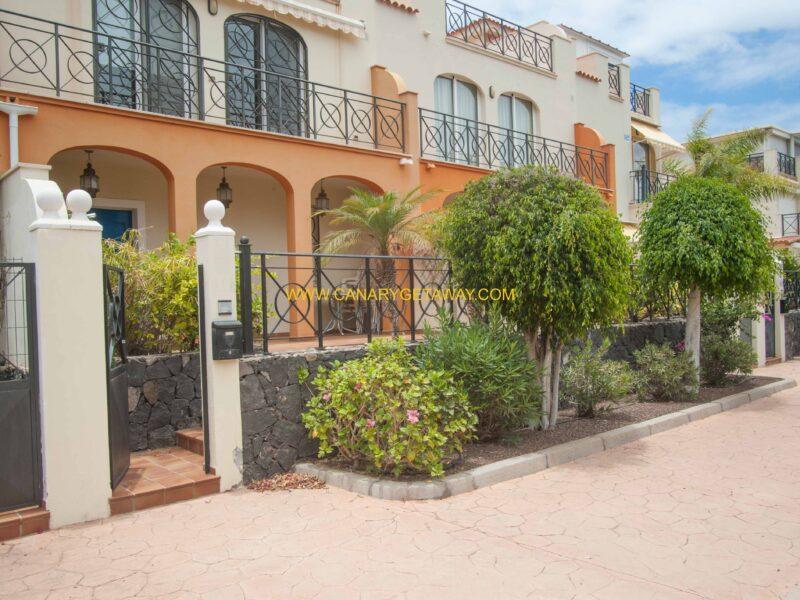 Parque Tropical III in Los Cristianos.